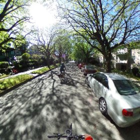 #Vancouver #bikepath in #360 degrees of sunshine. #BikeHub #GreenestCity #360VR #ILoveFriday #theta360