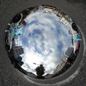 昨日の大垣元気ハツラツ市にて。 そう、ここは交差点ど真ん中w #miku360 #theta360