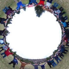 Camp d'astronomie du Club des Astronomes Amateurs de Laval - 28 & 29 avril 2017 à Tremblant.  Pour souligner les 50 ans d'EXPO67, nous prenons la pose du symbole de TERRE DES HOMMES.... et en même temps, nous demandons aux nuages de s'en aller!