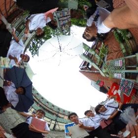 2016.06.16 グラバー通りで平和学習をする梅香崎中学校のみなさん♪  いつか、「AR Hiroshima Project」が成功したら、一緒に「AR Nagasaki」を手伝ってね! #theta360