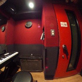 SOUND STUDIO NOAH池袋店 【Vo.b】3畳(エレピ常設) URL→http://ikebukuro.studionoah.jp/ TEL→03-5951-8400