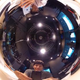 スタジオには、新型iPhoneが登場!この番組ではおなじみ、ITジャーナリストの三上洋さんが解説! #jwave #gr813 #radiko #theta360