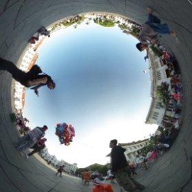 masih berkutat menguntit abang penjual balon di Kota Tua :3 #theta360