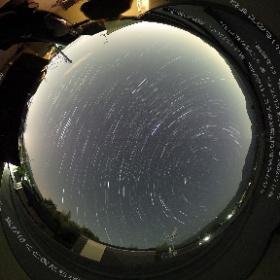 回る地球 撮影:RICOH THETA S 2016/5/5 1:52から1時間60枚を比較明合成(地平下を除く) #theta360