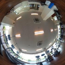 パームスプリングスのフィットネスジムです。さまざまなマシンをご用意しております。ガラス張りで解放感ある空間でリフレッシュできます。#indonesia #lippocikarang #cikarang #servicedapartment #longstay #shortstay #businesstrip #単身赴任 #海外視察 #theta360 #theta360