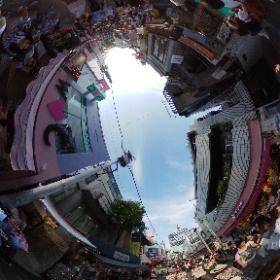 Recorriendo Harajuku un domingo por la tarde, en medio de la multitud #JaponATB