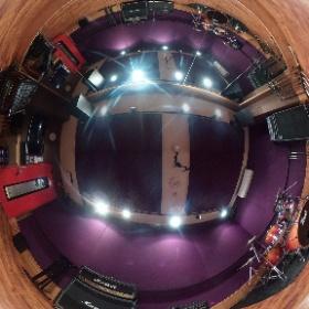 【#店舗情報】今回はB2スタジオをご紹介!4〜6名くらいのバンド編成にオススメ!形が長方形になっており、横並びになることもできるので、ライブを想定したリハーサルにもおすすめです!! #studionoah #rehearsal #studio #shibuya #リハスタ #バンド #theta360 #theta360