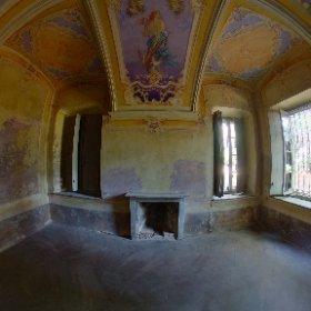 Abandoned villa #decay #lostplace #nikifeijen www.NikiFeijen.com #theta360