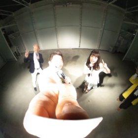 宇都宮餃子祭り in 大阪のステージから360°カメラ! ステージの光が強すぎて会場がほとんど見えてないけど、山田菜々ちゃんの笑顔だけはバッチリ(笑)  #宇都宮餃子祭り #theta360