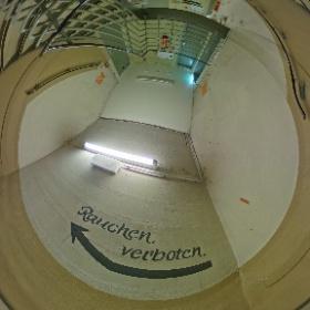 Das Treppenhaus zu den Schlafräumen in der #Dokumetationsstätte_Regierungsbunker in #Ahrweiler. Danke an @Schwan für diese tollen Aufnahmen! #theta360 #theta360de