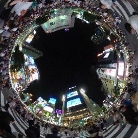 El cruce de Shibuya, de noche #japonATB #theta360