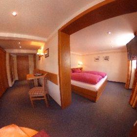Doppelzimmer Nr.3 mit Balkon im Gatterhof in Riezlern