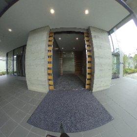 正面玄関です。 ロータリーもできました。 #theta360