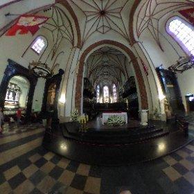 R0010415.JPG /    13.08.2017 / Varsovie - Eglise