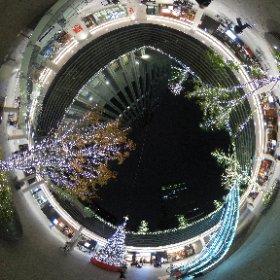 御茶ノ水ソラシティのクリスマスイルミネーションです、デジハリの下で撮影しました。 #theta360