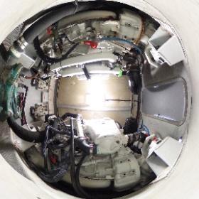 中古艇ドットコム アジム42 エンジン周り写真 #theta360