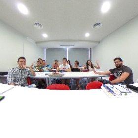 Gran grupo hoy de EOI en curso redes sociales en #elx #elche donde hablamos de #innovación y #mindfulnessejecutivo @eoi #theta360