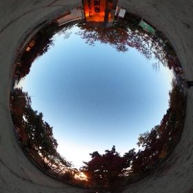 [絶景360]高尾山 ほかにも、いろいろな絶景ポイントで撮影した 360°パノラマ写真(全天球写真)を公開しています。『事例s』サイトの「絶景360」(http://jilays.com/zek360-index)からご覧いただけます。
