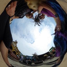 Genieten van de relaxte sfeer bij Woodstock69 op strand Bloemendaal #langlevehetleven #theta360