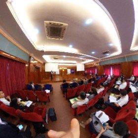 第10回カンボジア比較法学会のメインセッション開始。 #theta360