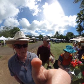 Farmers market somewhere on Kauai, Hawaii. #theta360