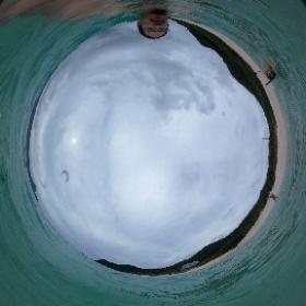 7/8 この日はあいにくの曇りで。。ちょっと残念でした。。 崎原ビーチにて。 #奄美お試し移住