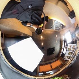 お好み焼き、鉄板焼き「三代目たっちゃん」様の撮影風景 #theta360