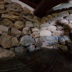 犬山城入り口入ってすぐの石垣 #theta360