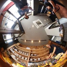 自家焙煎珈琲豆店りとるばれい様の撮影 #theta360