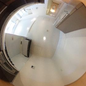 リーベンデール真駒内 202号室 キッチン ※家電はモデル用のものになります。 #theta360