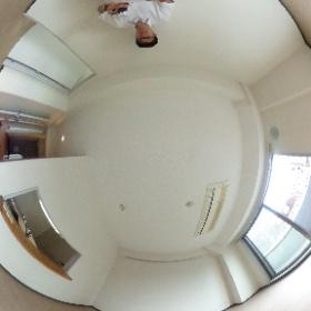 世田谷区上野毛にあります「グレーシァ上野毛」2LDKのダイニングキッチンスペースのパノラマ写真です。物件詳細はこちらhttp://www.futabafudousan.com/bukken/g/syousai/1dat.html #theta360