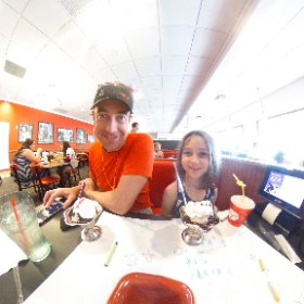 Ice cream sundaes with the kids in 360 degrees! #theta360