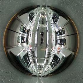 都営新宿線の電車。始発で誰もいなかったので。 #theta360