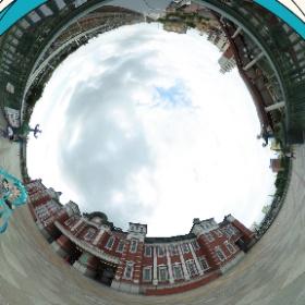 ミニ東京駅をバックに記念撮影! 2018/09/16 高崎線深谷駅にて  #miku360