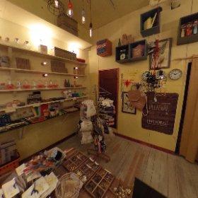 今日は昨年11月にオープンしたばかりの雑貨屋さん「cheese」を取材。店内は各国の珍しい商品の数々。一足先に店内の様子をご紹介!http://kawagucheese.com/