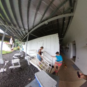 taking of shoes frog pod #theta360