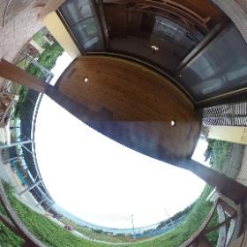 古宇利島ペンションのバルコニーから撮影した写真です♪古宇利大橋が見えてオーシャンビュー。気持ちいい風が吹き抜けます。 http://marui-pension.com/