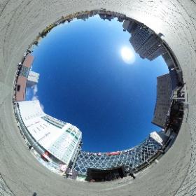 水戸駅南口ペデストリアンデッキでの撮影です。