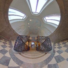 Treppe in der Alten Sammlung des Saarlandmuseums #theta360 #theta360de