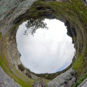 Serpentinite boulders at old quarry, Angel Island, SF Bay, CA. #streetcar2subduction #theta360