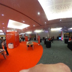 Lots to see and learn about in the breakout space at #CanvasCon #theta360