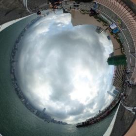 最後用難得撥雲見日的維多利亞港跟香港說再見!!留下的遺憾等下次在來吧!! #theta360