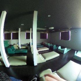 見沼温泉の岩盤浴仮眠室。結構ちゃんとした仮眠室でいい感じ #theta360