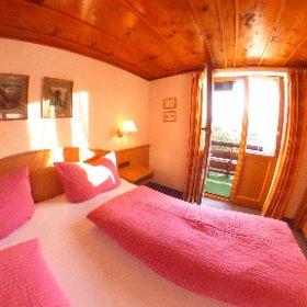 Doppelzimmer Nr. 2 mit Balkon und wunderschöner Aussicht. Gatterhof in Riezlern im Kleinwalsertal