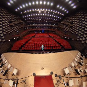 #初音ミクシンフォニー 大阪公演間もなく始まります❣️❣️❣️ お客様を迎え入れる開場直前・・・ドキドキしています☺️  #miku360 #初音ミク