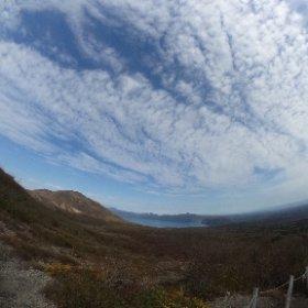 樽前山の麓に見えるのは支笏湖。 10月に北海道樽前山に登りました。 #樽前山 #支笏湖 #theta360