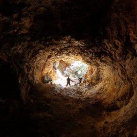 美初第二水晶洞窟 入口の大きさがわかります。 #theta360