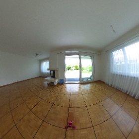 Doppeleinfamilienhaus mit Garten und Garage in Biel-Benken zu verkaufen