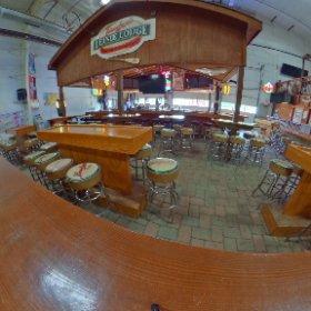 The Jesse Oaks Lienie Lodge  2 sand indoor courts