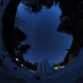 八ヶ岳赤岳鉱泉の夜。 満天の星空。今度のシータはこんな写真が簡単に撮れちゃいます #theta360